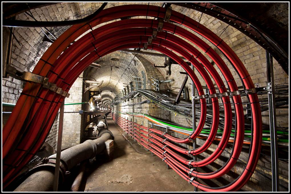 Natural gas monitoring - Utility tunnels - Japan Underground Mining Images
